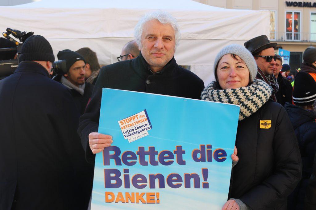 Auch Tatortkommisar Udo Wachtveitl unterstützte das Volksbegehren Artenvielfalt - Rettet die Bienen!
